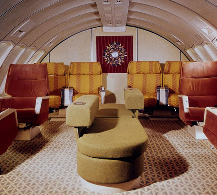 Braniff-International-747-Interior-1971