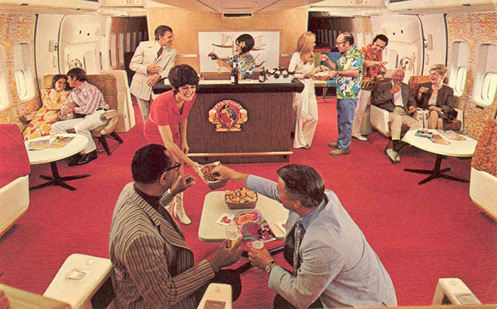 Continental-Coach-Lounge-747